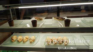 Foto 6 - Interior di Agenda Coffee Bistro oleh UrsAndNic