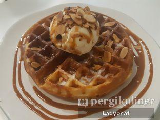 Foto 2 - Makanan di BROWNFOX Waffle & Coffee oleh Ladyonaf @placetogoandeat