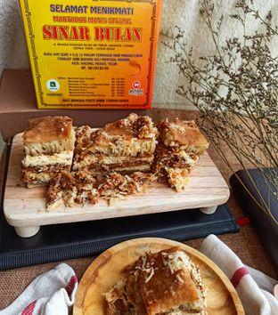 Foto 2 - Makanan di Martabak Sinar Bulan oleh Junior