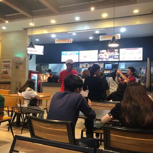Foto 2 - Interior di Burger King oleh @Perutmelars Andri