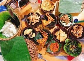 Wow, Ternyata Makan dengan Cara Lesehan Sangat Bermanfaat untuk Tubuh
