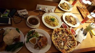 Foto 1 - Makanan di The Restaurant - Hotel Padma oleh Olivia @foodsid