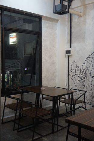 Foto 6 - Interior di Nationalism Coffee Brewers oleh Prido ZH