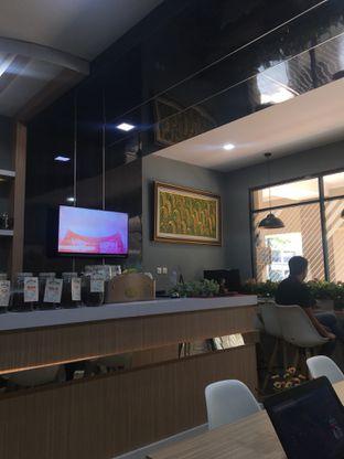 Foto 7 - Interior di Coffee Zen oleh Jeljel