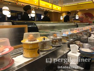 Foto 18 - Interior di Sushi Go! oleh bataLKurus