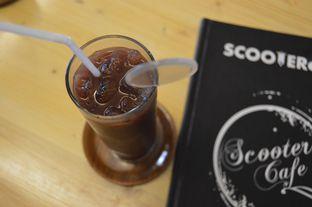 Foto 15 - Makanan(ice chocolate) di Scooter Cafe oleh Anandic