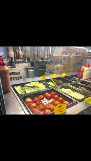 Foto 3 - Interior di Doner Kebab oleh Nanakoot