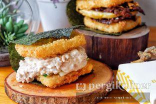 Foto 1 - Makanan di Burgushi oleh Oppa Kuliner (@oppakuliner)