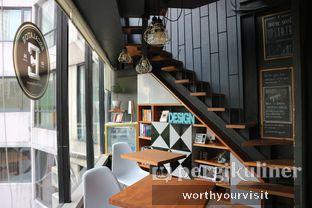 Foto 1 - Interior di Escalator Coffeehouse oleh Kintan & Revy @worthyourvisit