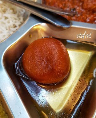Foto 7 - Makanan(Gulab Jamun) di Little India Restaurant oleh Stanzazone