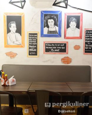 Foto 9 - Interior di Double U Steak by Chef Widhi oleh Darsehsri Handayani