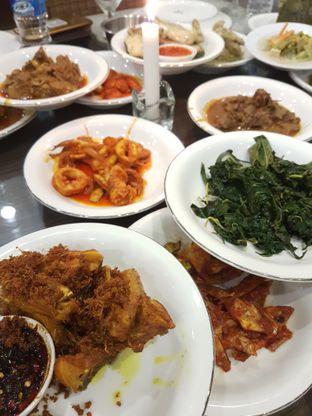 Foto 1 - Makanan di RM Pangeran Khas Minang oleh Olivia @foodsid