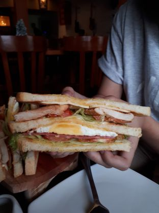 Foto 4 - Makanan di AGBELIN Bistro & Cafe oleh Andin   @meandfood_