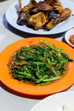 Foto 1 - Makanan di Nasi Uduk Kota Intan (Aweng) oleh Indra Mulia