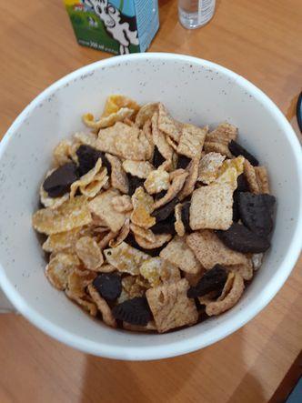 Foto Makanan di Cereal Box