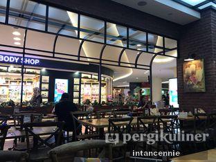 Foto 10 - Interior di Kafe Betawi oleh bataLKurus