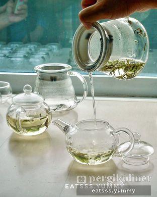 Foto 16 - Makanan(Silver Needle Tea) di Chatelier oleh Yummy Eats
