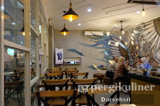 Foto 5 - Interior di Wake Cup Coffee oleh Darsehsri Handayani