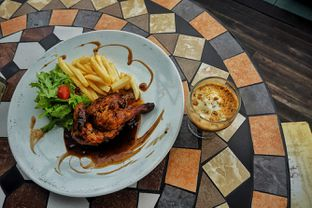 Foto 1 - Makanan(Rosemary Baby Roasted Chicken) di Cocorico oleh Fadhlur Rohman