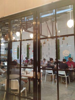 Foto review Roemah Coffee Eatery & Hub oleh yukjalanjajan  5