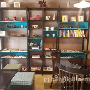 Foto 5 - Interior di Dailydose Coffee & Eatery oleh Ladyonaf @placetogoandeat