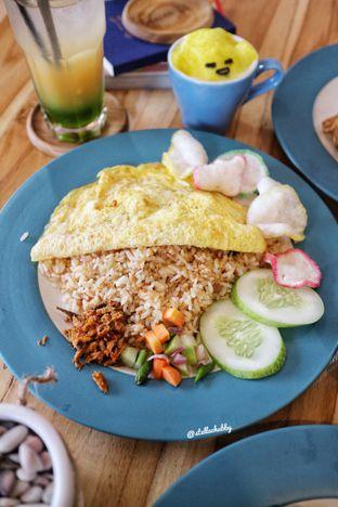 Foto 2 - Makanan(Nasi goreng cakalang) di Kullerfull Coffee oleh Stellachubby