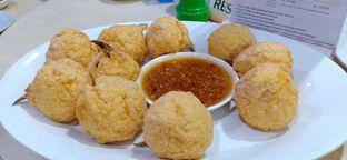 Foto 2 - Makanan(Bola kepiting) di Angke Restaurant oleh Komentator Isenk