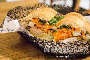 Foto 4 - Makanan(Chili Lemongrass chicken egg omellete chicken floss) di NamNam Noodle Bar oleh Ivan Ciptadi @spiceupyourpalette