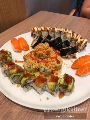 Foto 1 - Makanan di Peco Peco Sushi oleh Delavira