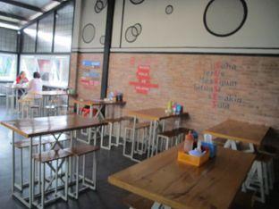 Foto 3 - Interior di Bakso Dono Reborn oleh doyan kopi