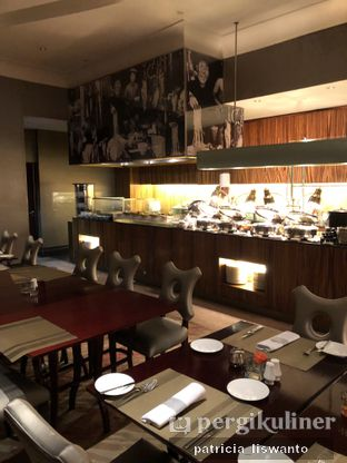 Foto 21 - Interior(sanitize(image.caption)) di The Cafe - Hotel Mulia oleh Patsyy