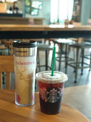 Foto 2 - Makanan di Starbucks Coffee oleh Eunice