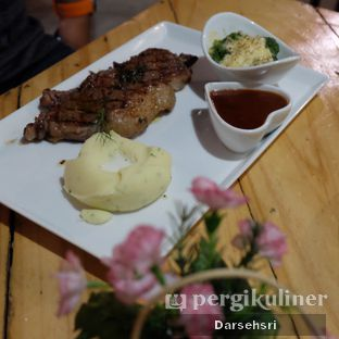 Foto 2 - Makanan di Double U Steak by Chef Widhi oleh Darsehsri Handayani