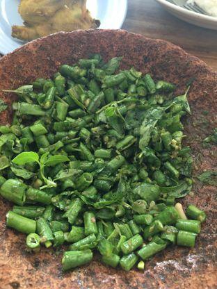 Foto 3 - Makanan di RM Ibu Haji Cijantung oleh Yuni