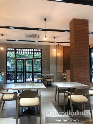 Foto 8 - Interior di Ergonomic Coffee & Lounge oleh Cubi