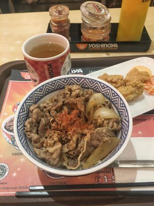 Foto 1 - Makanan di Yoshinoya oleh Nanakoot