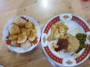 Foto 2 - Makanan di RM Pondok Minang Jaya oleh D L