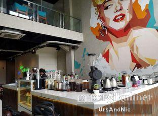 Foto 3 - Interior di Maketh Coffee & Eatery oleh UrsAndNic