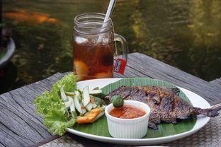 Foto 3 - Makanan(Bawal Bakar and Lychee Tea) di Atmosphere oleh Fadhlur Rohman