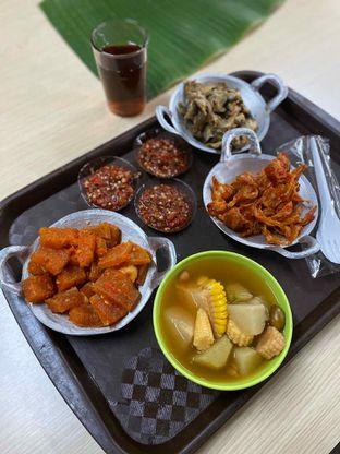 Foto 13 - Makanan di Alas Daun oleh Riani Rin