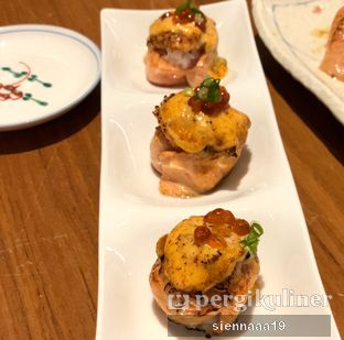 Foto 9 - Makanan(spicy salmon hana roll) di Sushi Masa oleh Sienna Paramitha