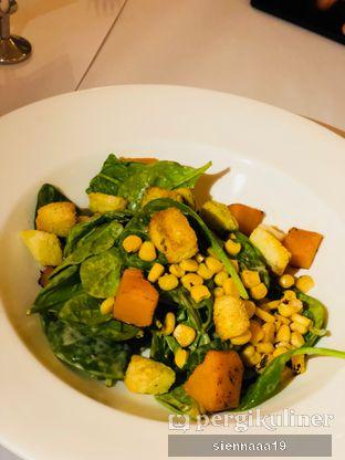 Foto 2 - Makanan(Baby Spinach Salad) di Union oleh Sienna Paramitha