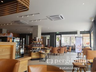 Foto 1 - Interior di Starbucks Coffee oleh EATIMOLOGY Rafika & Alfin