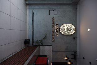 Foto 5 - Interior di Tempt Coffee Roaster oleh Della Ayu