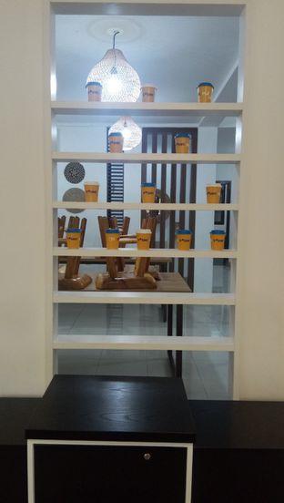 Foto 7 - Interior di Yoshi! Coffee oleh duocicip