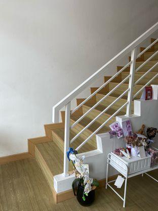 Foto 9 - Interior di Those Between Tea & Coffee oleh Jeljel
