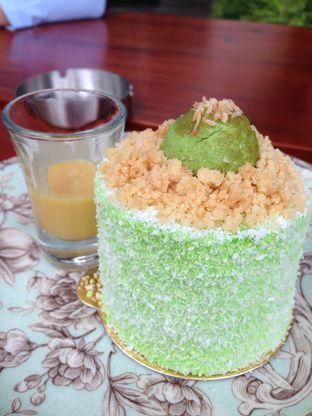 Foto 2 - Makanan(Creamy Klepon) di Miss Bee Providore oleh awakmutukangmakan
