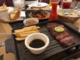 Foto 1 - Makanan di Table 101 oleh @yoliechan_lie