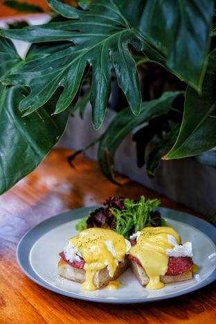 Foto 4 - Makanan(Egg Benedict) di Jardin oleh Fadhlur Rohman