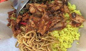 Nasi Kuning Dobo & Coto Makassar
